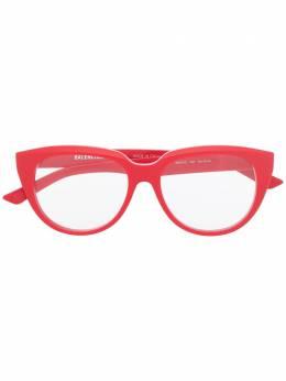 Balenciaga Eyewear очки в оправе 'кошачий глаз' BB0131O