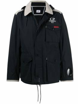 C.P. Company куртка с капюшоном и логотипом 10CMOW002A005969A