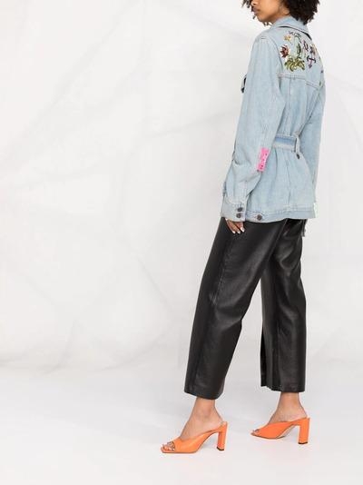 Off-White джинсовое пальто с цветочной вышивкой OWYE023S21DEN0030584 - 4