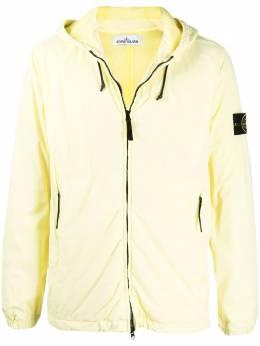 Stone Island куртка на молнии с нашивкой-логотипом и капюшоном 741542731
