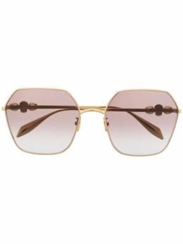 Alexander McQueen Eyewear солнцезащитные очки в массивной оправе 657458I3330